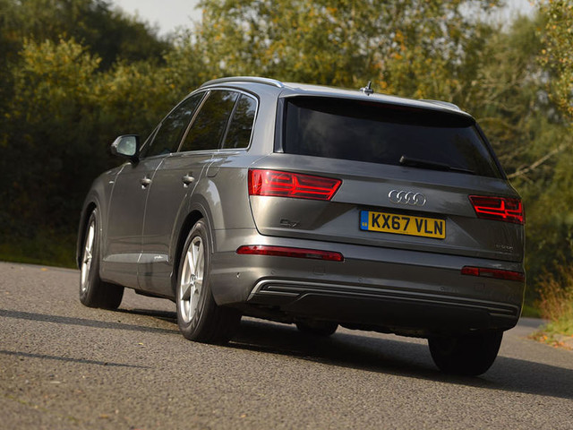 Audi Q7 e-tron 2017 UK review