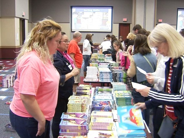 """Big Awesome Book Sort"" gives the gift of reading"