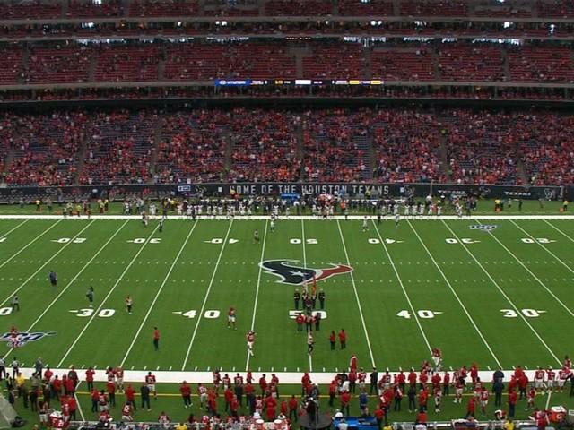Houston Texans hold moment of silence for Sergeant Christopher Brewster