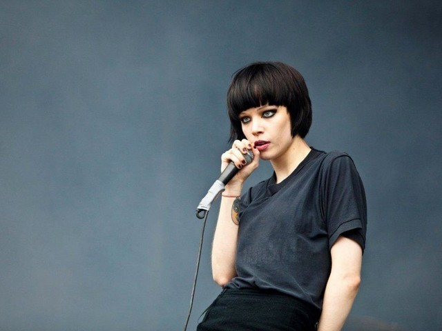 Alice Glass served a court summons from Ethan Kath by someone posing as a fan