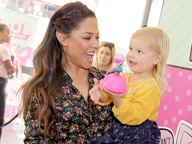 Vanessa Lachey Has a Girls Day Out With Daughter Brooklyn!