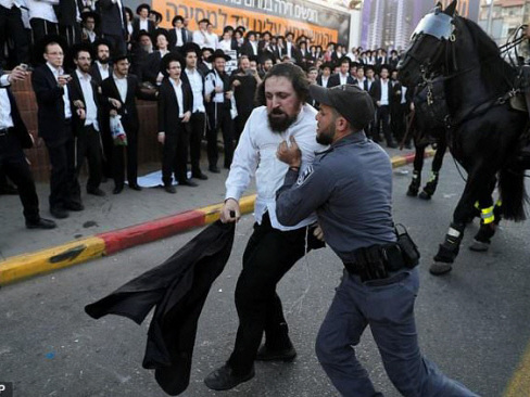 Israeli police arrest 33 in ultra-Orthodox draft riots