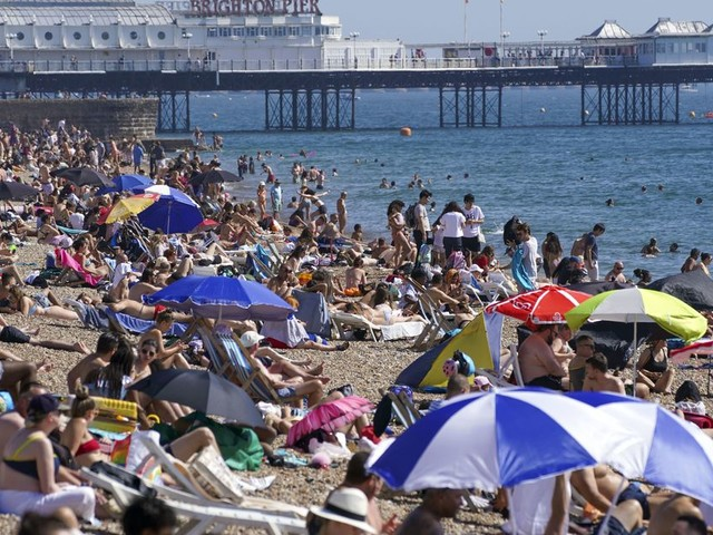 UK Weather: September Sizzle As Temperatures Top 30C