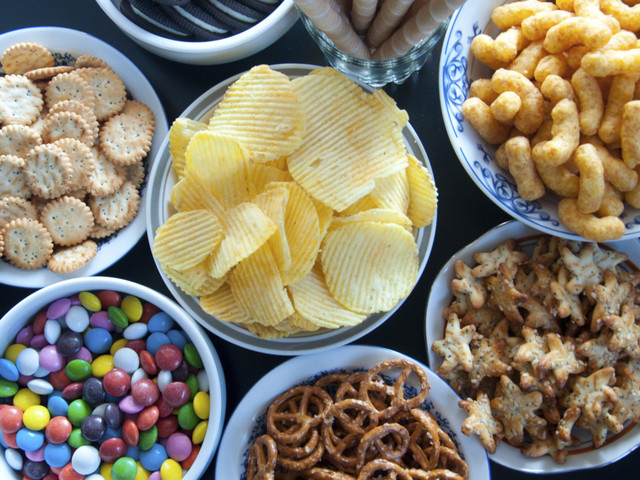 The Science And Psychology Behind Why We Can't Resist Snacks