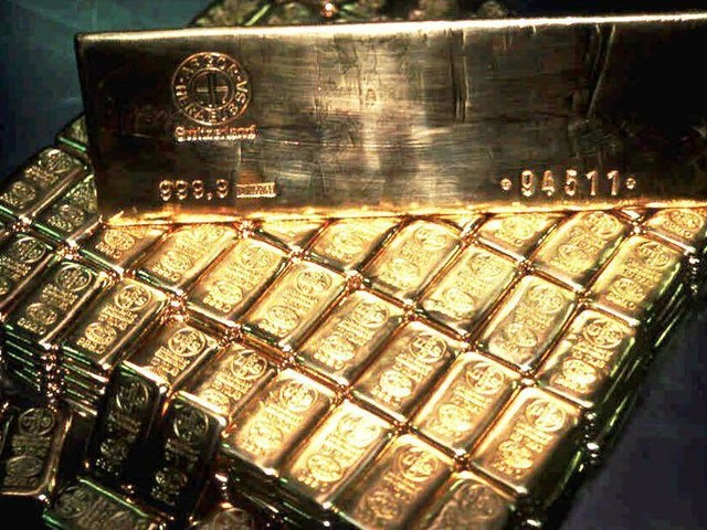 Chest that could contain £100m of Nazi gold found by Brits
