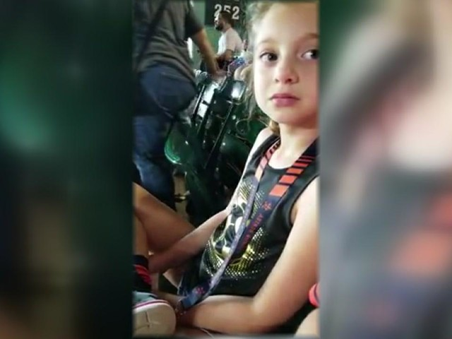 Young Astros fan with rare disorder left in tears after being scolded at game