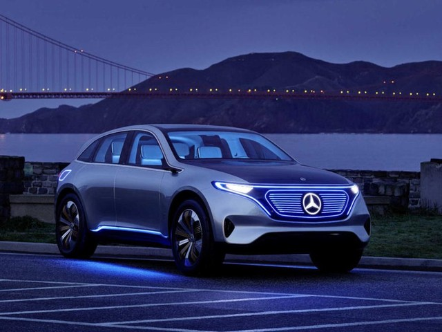 With Mercedes-Benz Going Electrified, How Does the Company Avoid Tanking?