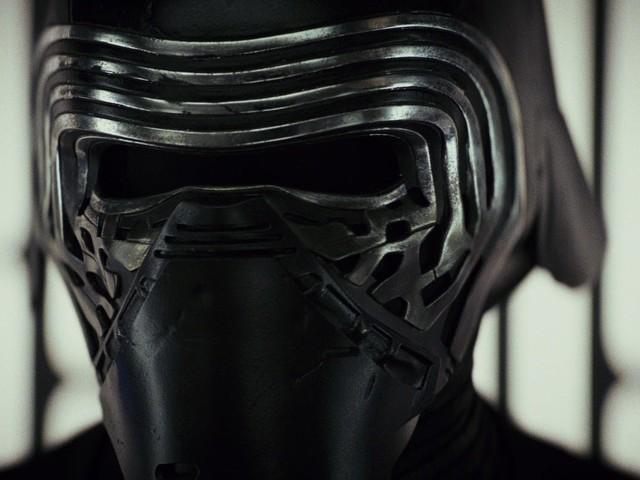Watch Kylo Ren React To Star Wars: The Last Jedi Trailer