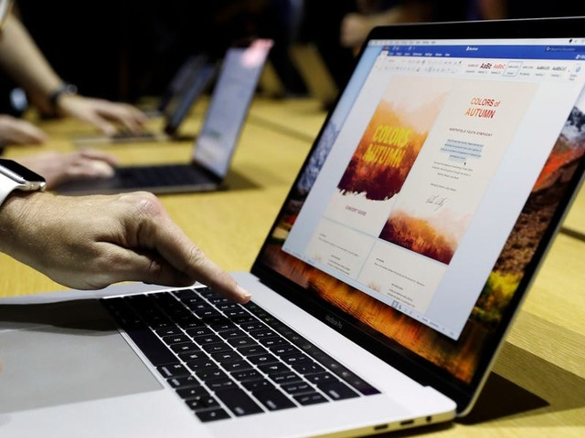 How to show the battery percentage on your Mac computer and customize your settings to save battery