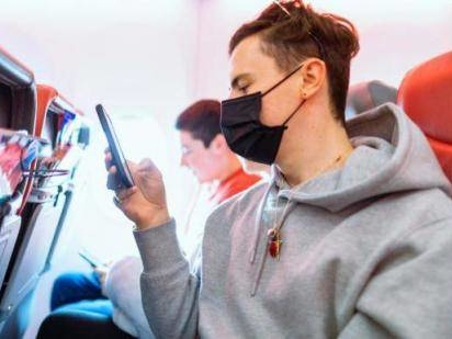 How To Protect Yourself From Coronavirus While Flying In 8 Easy Steps