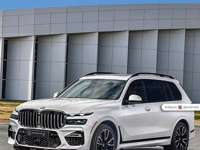 SPIED: BMW X7 LCI Facelift Seen with New Headlights in the Snow