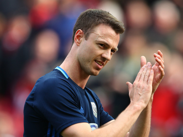 Man City offer £18m for former United defender Jonny Evans