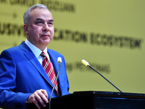 Syariah courts need to be careful about exposing case proceedings: Sultan Nazrin (Updated)