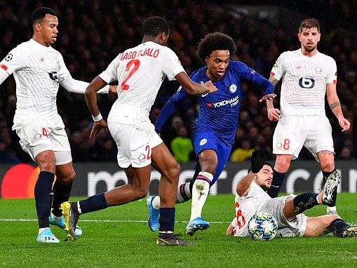 Willian is sowing no sign of his age and should be rewarded with a new deal