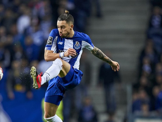 PSG consider hijacking Chelsea's €30m Alex Telles deal — report