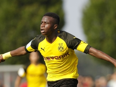 Uefa Youth League: Moukoko's hat-trick fires Dortmund past Slavia Prague