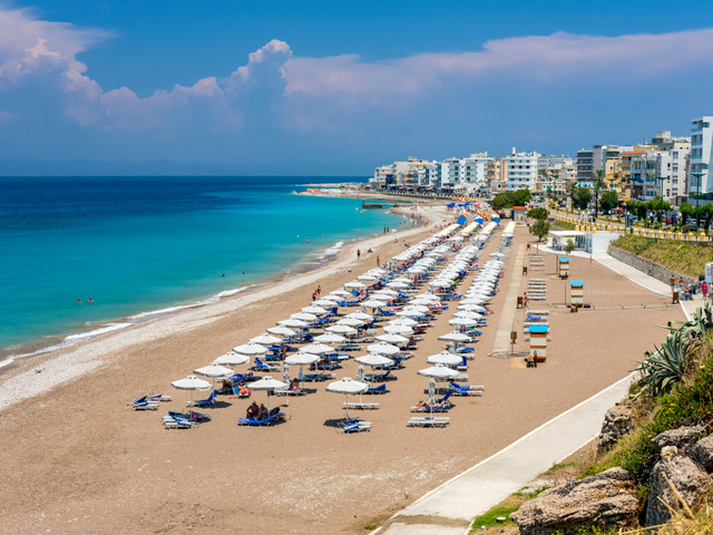 Greece on the brink of lockdown again after spike in tourist coronavirus cases