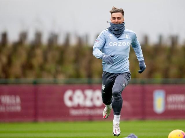 Vast majority of Villa first team trains ahead of Manchester City