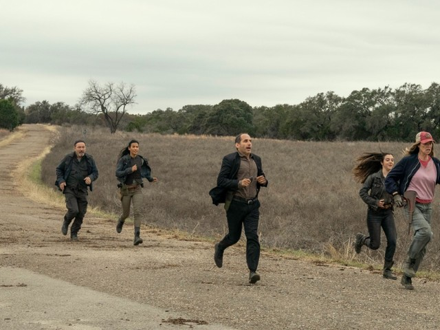 Is 'Fear the Walking Dead' About to Collide With 'World Beyond'?