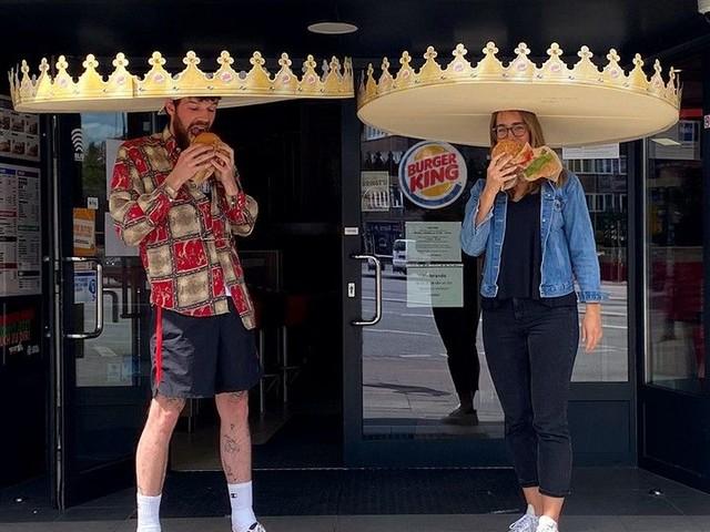 Social Distancing Headwear - Burger King's Crown-Shaped Social Distance Hats Keep People Apart (TrendHunter.com)
