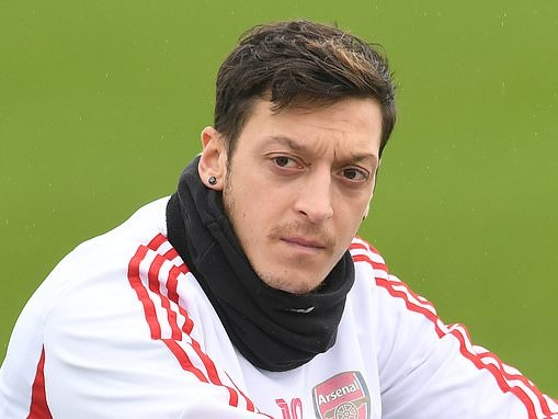 Arsenal 'enter talks with Mesut Ozil over buying out his £7.2m contract'
