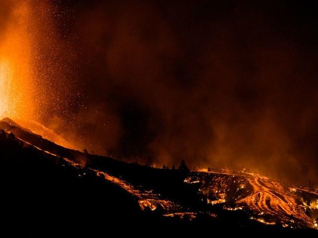 La Palma's Volcano: Dramatic Photos Capture Canary Island's Eruption