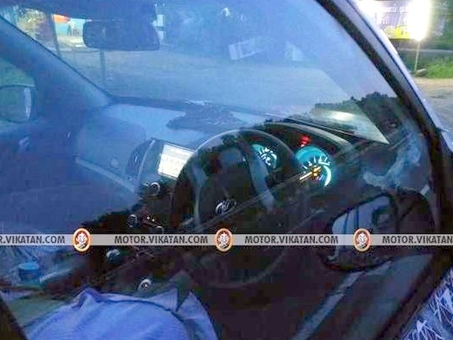 Mahindra XUV500 facelift spied again – Reveals new grille design