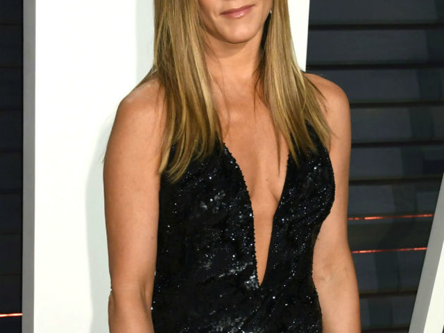 Jennifer Aniston's ex Justin Theroux shares this sweet 50th birthday message after Brad Pitt parties with her in Hollywood