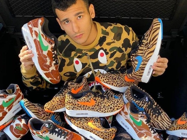 A 20-year-old who brought in half a million dollars in sneaker sales this year reveals why now is the best time to break into the exploding market and how to do it correctly