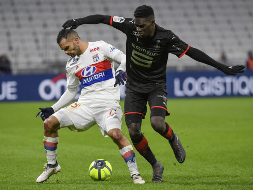 Lyon slump to controversial defeat by Rennes