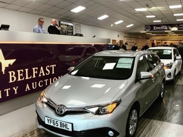 V12 Vehicle Finance and City Auction Group form partnership