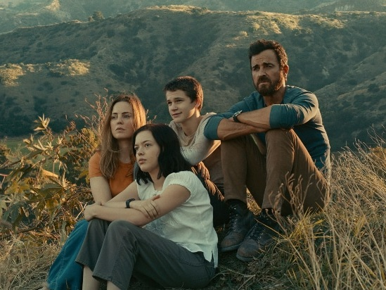 'Mosquito Coast' Trailer: Justin Theroux's Family Is On the Run, but He Tells Them It's an Adventure (Video)
