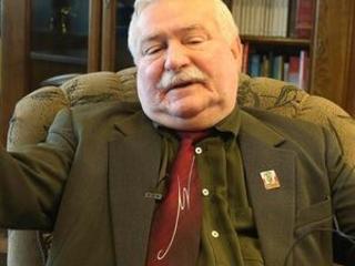 Polish prosecutors investigate Walesa's sworn testimony