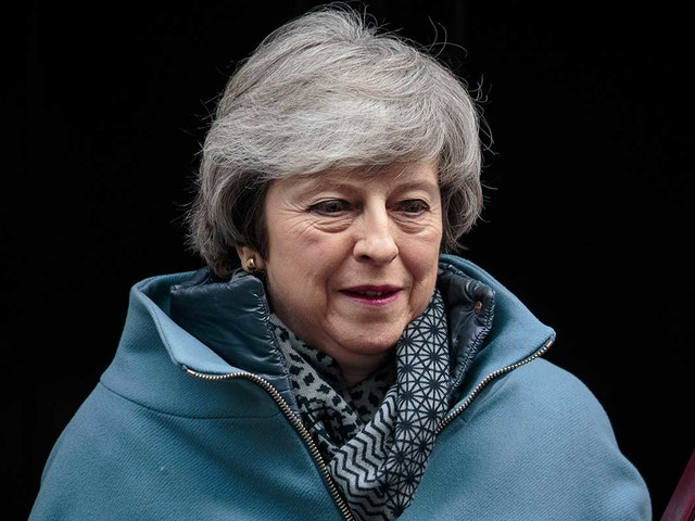 Tory backbenchers 'to tell May to leave by end of June'