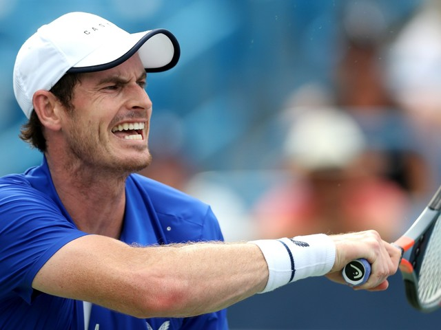 Sports shorts: Murray loses on comeback, Benitez rips into Newcastle