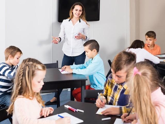 Evidence-based education needs standardised assessment