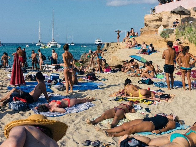 Spain's warning about new coronavirus outbreak for holidaymakers this summer