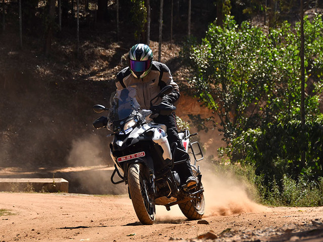 Review: Benelli TRK 502, 502X review, test ride