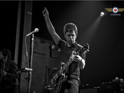 Noel Gallagher's High Flying Birds – Dead In The Water (Live at RTÉ 2FM Studios, Dublin) [Official Lyric Video]