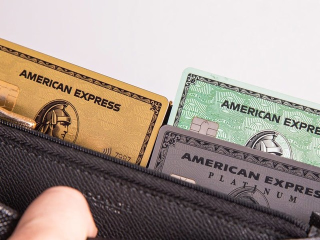 There are actually 2 personal Amex Gold cards — but only one of them offers bonus rewards on dining