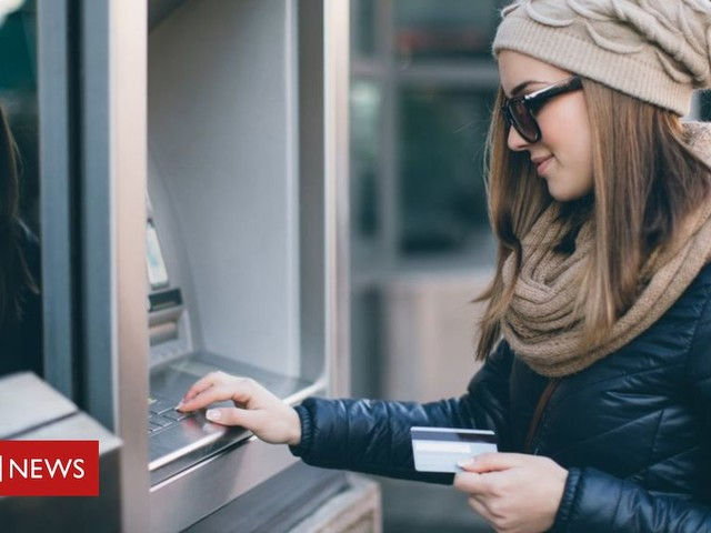Which banks do customers love or hate?