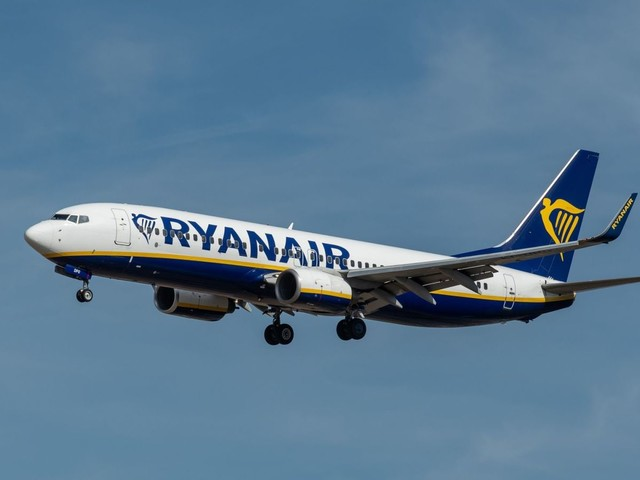 Ryanair flight diverted after 'fist fight in aisle'