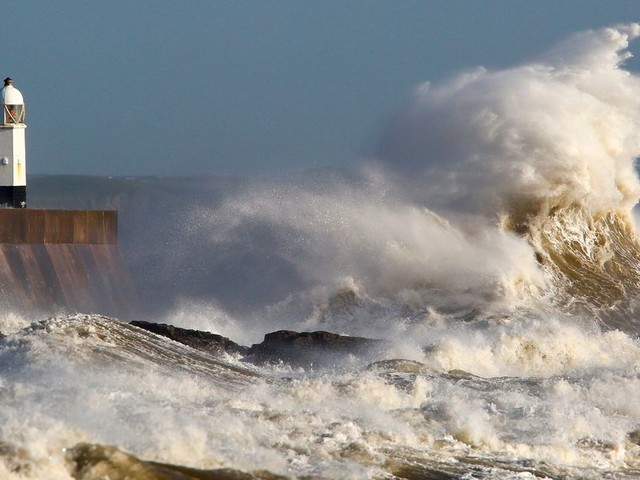 Irish weather forecast: Met Eireann issues Status Yellow wind warning to Cork and Kerry