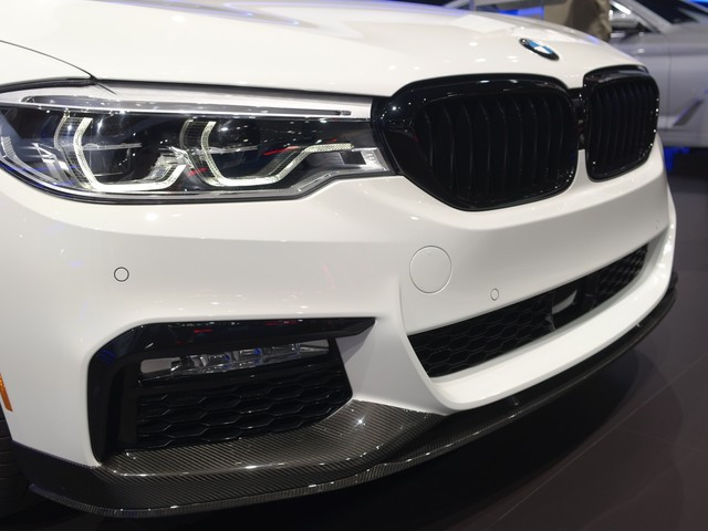 2017 NYC Auto Show – BMW M Performance Video Overview