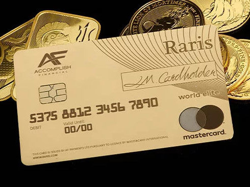 Precious Metal Payment Cards - The Raris Debit Card from the Royal Mint is Made from 18-Karat Gold (TrendHunter.com)