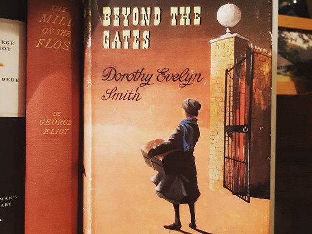 Beyond the Gates by Dorothy Evelyn Smith – #1956club