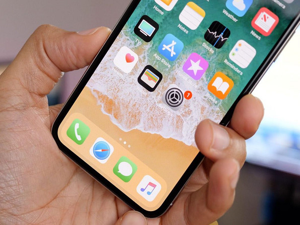 Due to Apple iPhone X production cuts, Samsung faces a glut of OLED production capacity?