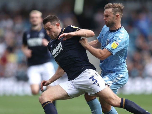 Coventry City 'in talks' over extending striker's contract