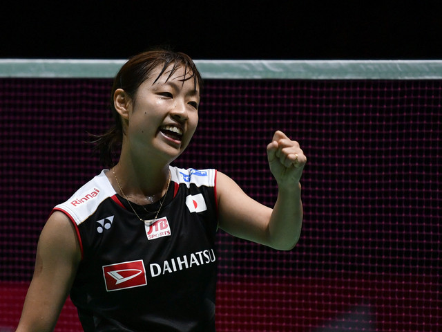 Okuhara fights back to reach women's singles final at BWF World Championships