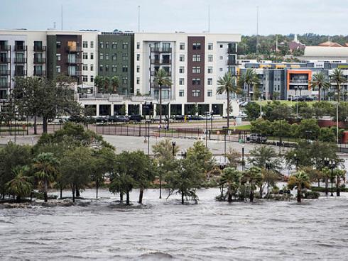 Irma weakens but flooding in Jacksonville, damage to Keys